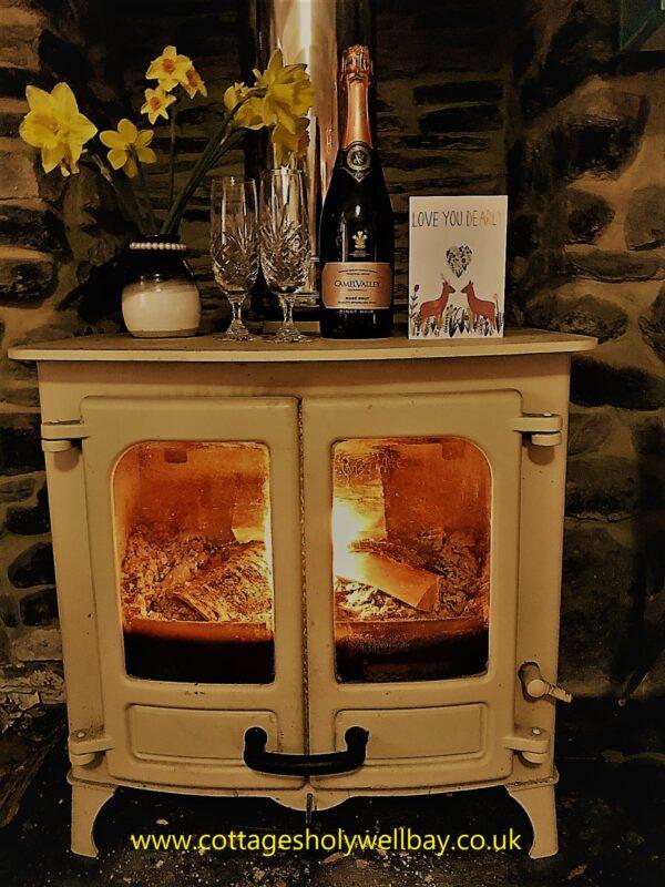 cottage woodburner holywell bay holiday